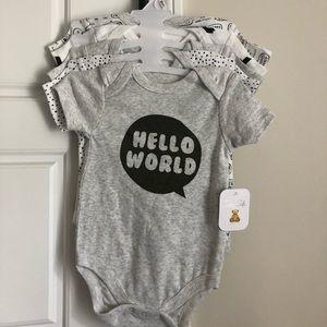 NWT Gender neutral baby onesie